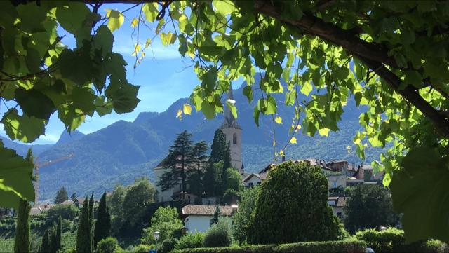 Dolomites_Scenery.png