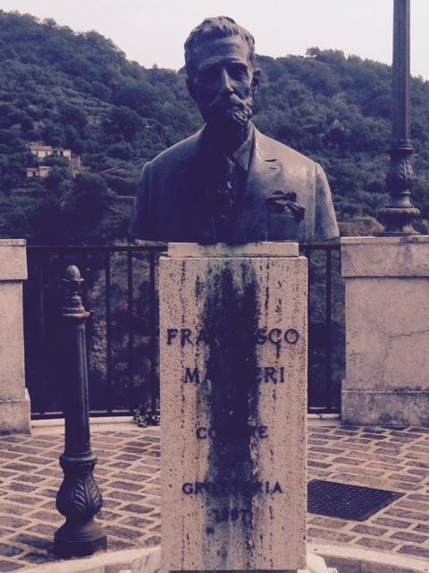 Grotteria Statue.jpg