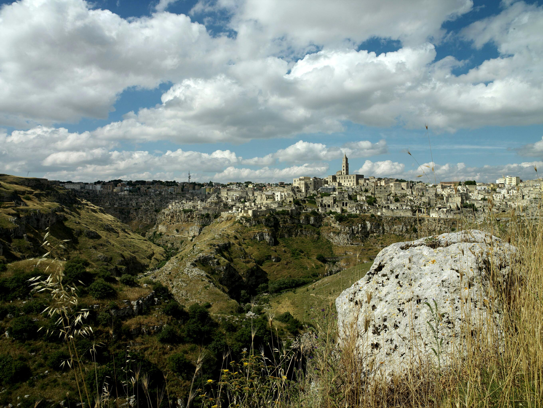 Matera_view_canyon