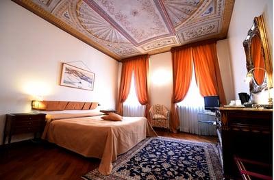 100.PalazzoFinati1