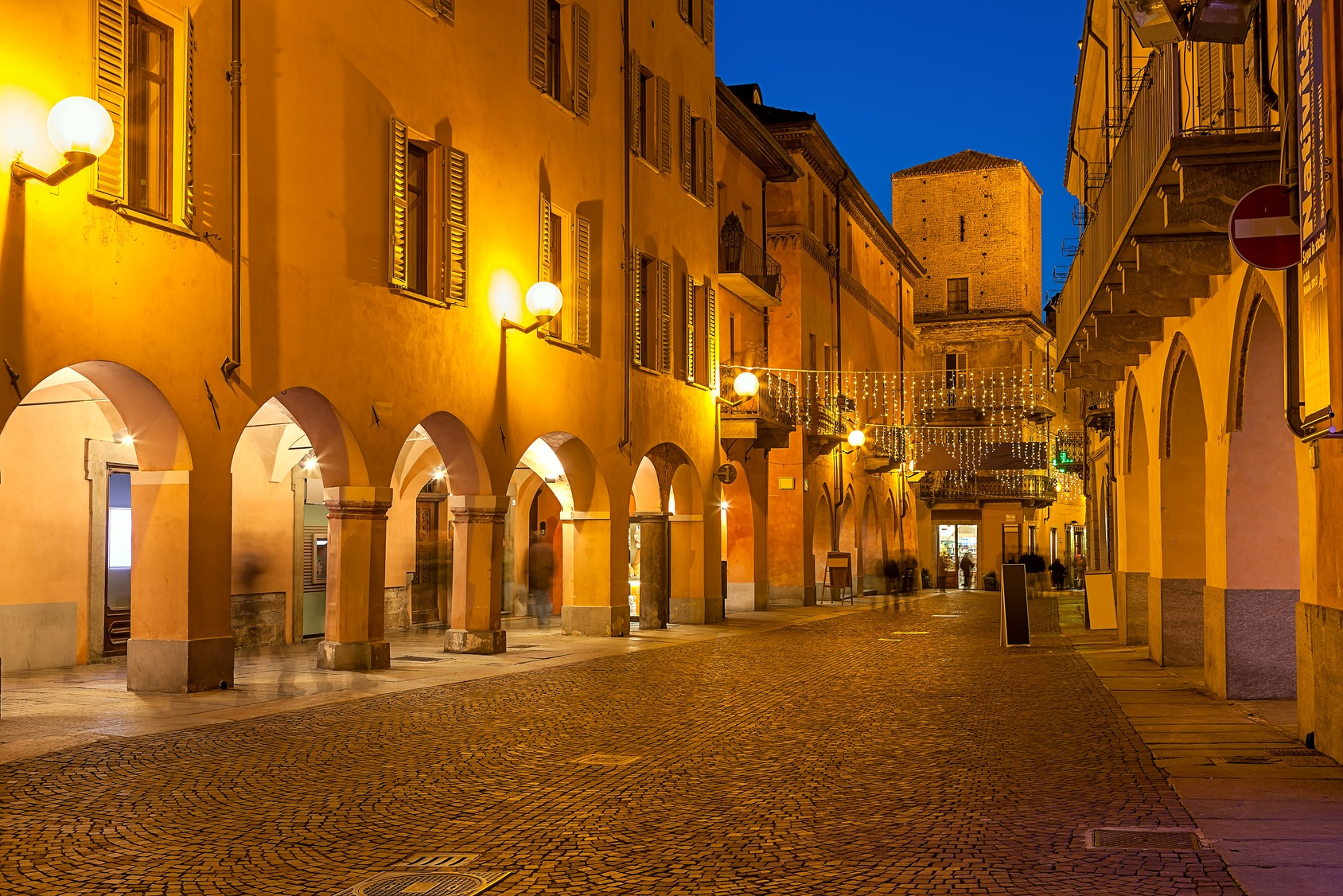 full-day trips to other locations in italy