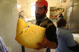 cheese_maker_belice_valley_sicily.jpg