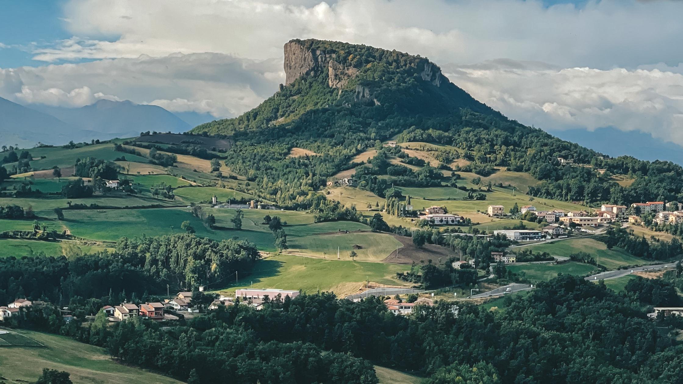 Pietra di Bismantova: The Inspiration for Dante's Purgatory